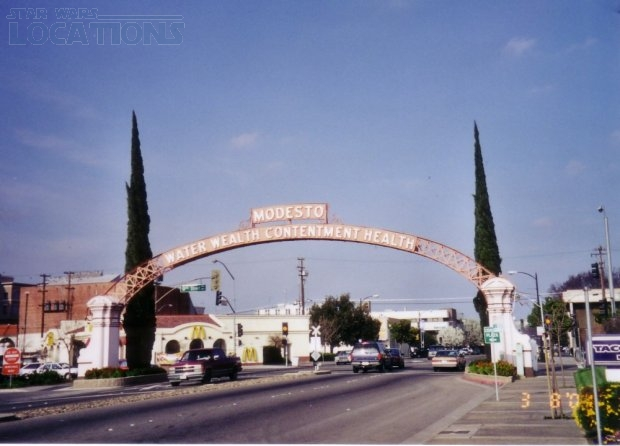 Modesto Arch - Water Wealth Contentment Health
